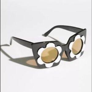 Free People Daisy Sunglasses
